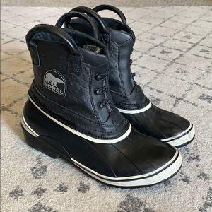 Sorel waterproof low rain boots - 8